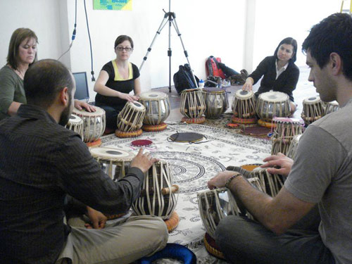 03-13-08_beginning_and_int_tabla_classes9