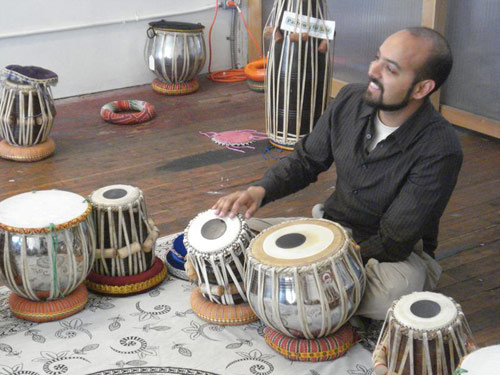 03-13-08_beginning_int_tabla_classes